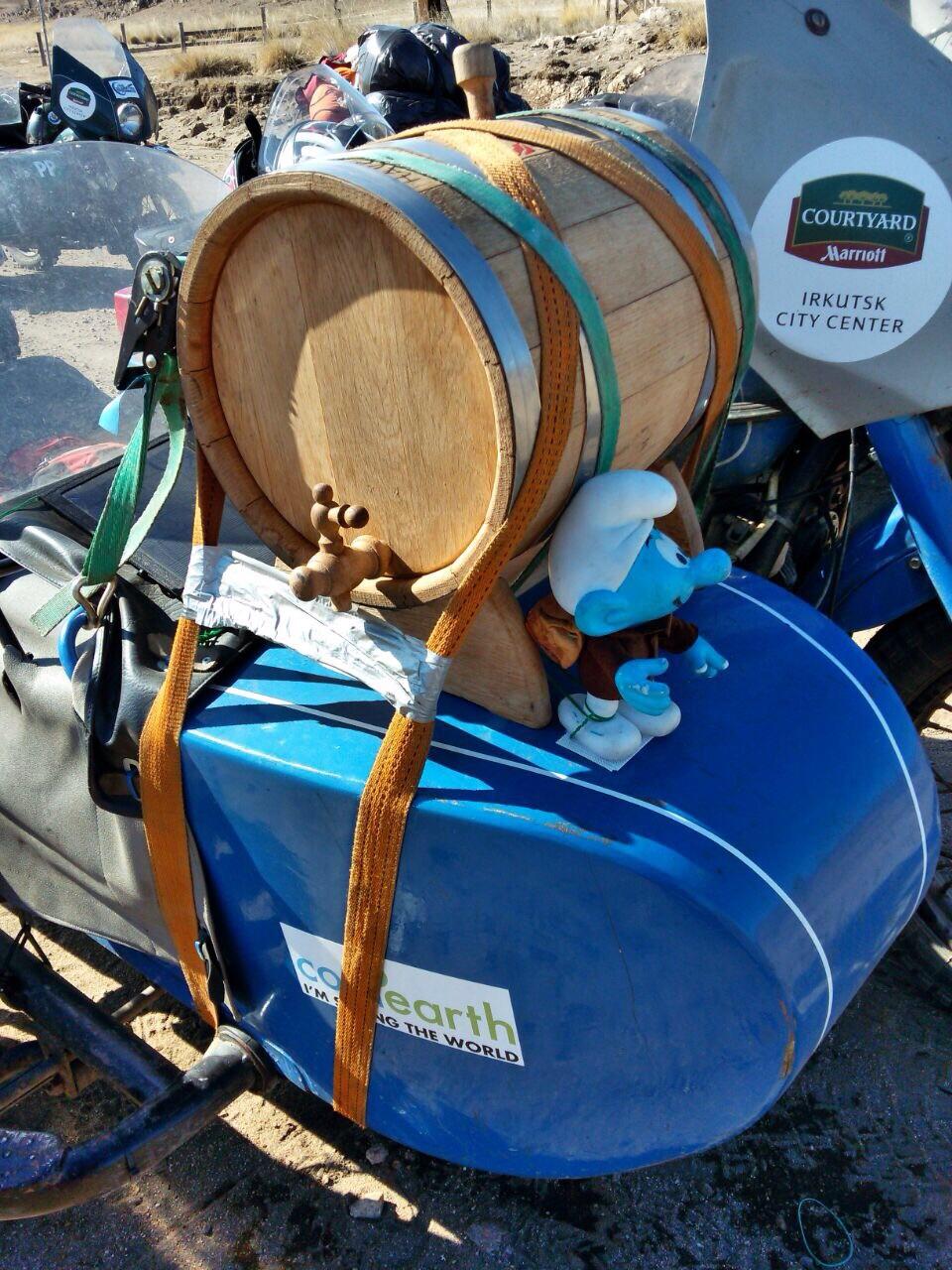 Joe's Bar - Whiskey barrel sidecar mount