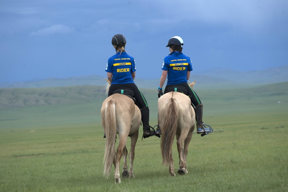 'The Steppe Sisters' Sian Dyson & Sophie Wilford with matching horses