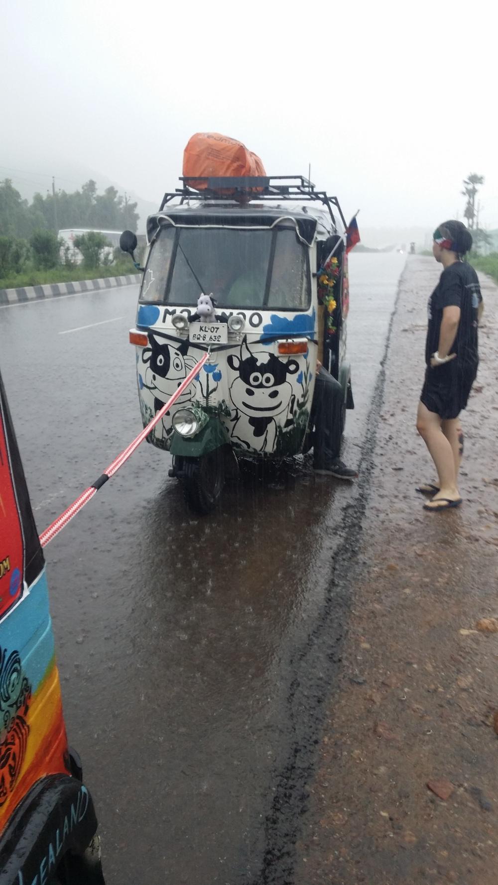 One Two Free Rickshaw run 12.08.2015.jpeg