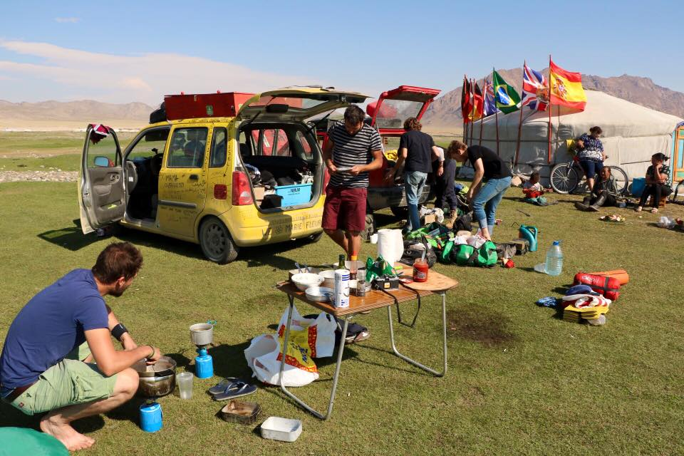 Team tlp mongol rally 18.08.2015.jpg