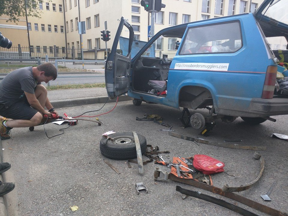 repairing the suspension 28.08.2015 cross border smugglers.jpg