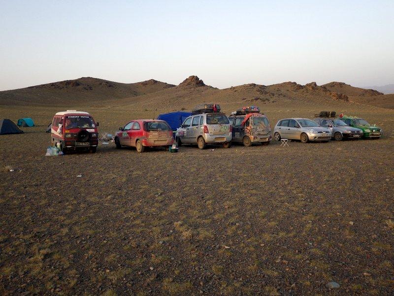 gobi desert convoy alquimistas 01.09.2015.jpg