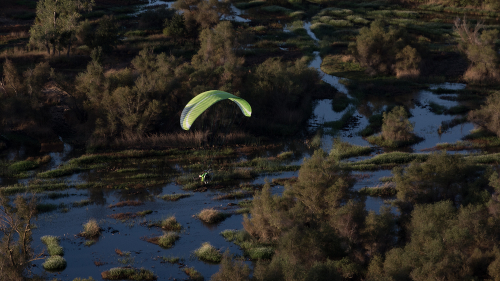 Sporting a fetching lime green wing, David flying the final leg towards Blackhawk