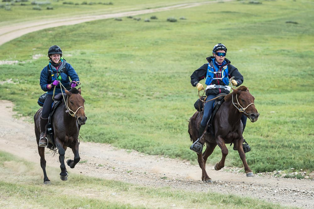 Early front runners in the Mongol Derby 2016, Alexandra Hardham and Shannon Nott