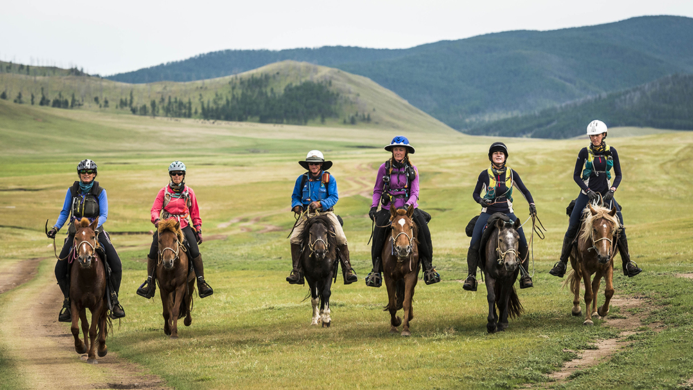 The leaders line up to HS18 The leaders line up abreast to Urtuu 18  From left, Marcia Hefker-Miles, Courtney Kizer, William Comiskey, Heidi Telstad, Venetia Phillips, and Tatiana Mountbatten  Photo by Richard Dunwoody for Mongol Derby