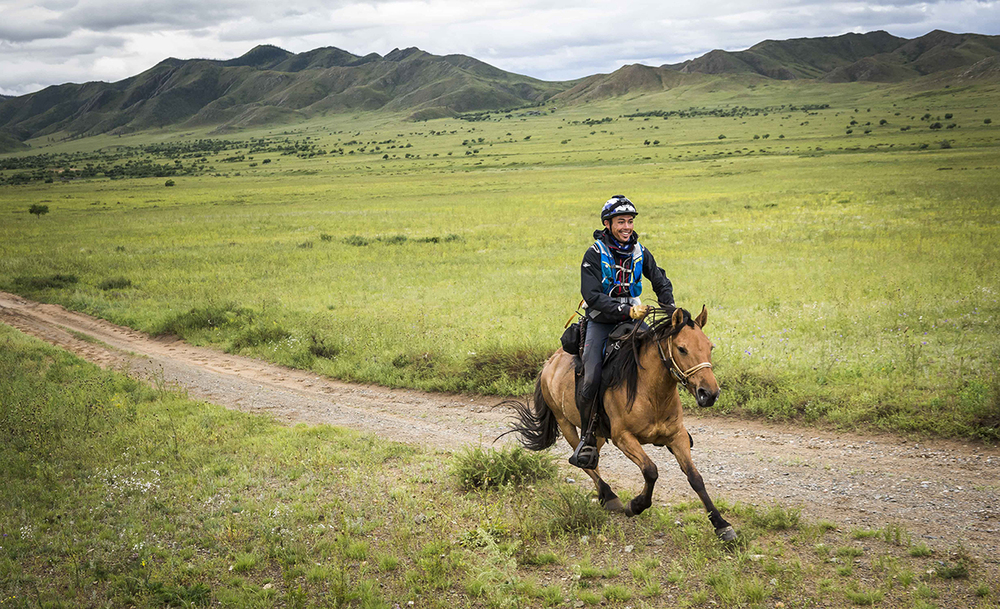 Shannon Nott nearing Urtuu 23  Photo by Richard Dunwoody for Mongol Derby