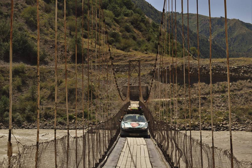 Mr16, OtR, the gang goes ot mongolia, pamir bridge.jpg