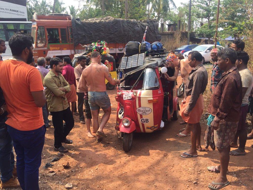 Must Dash, RRApr17, crash crowd.jpg