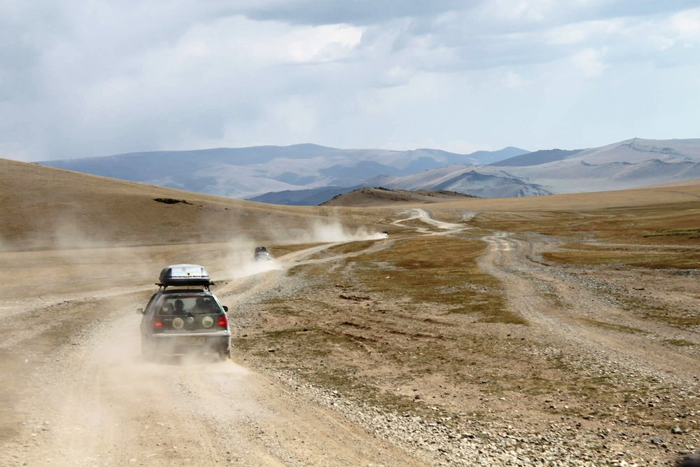 Mongolia - Convoy and Dust.jpg