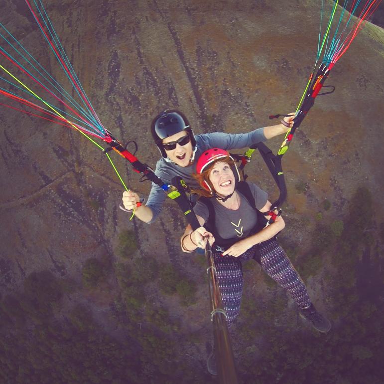 Tandem paragliding flight in Portland, OR.