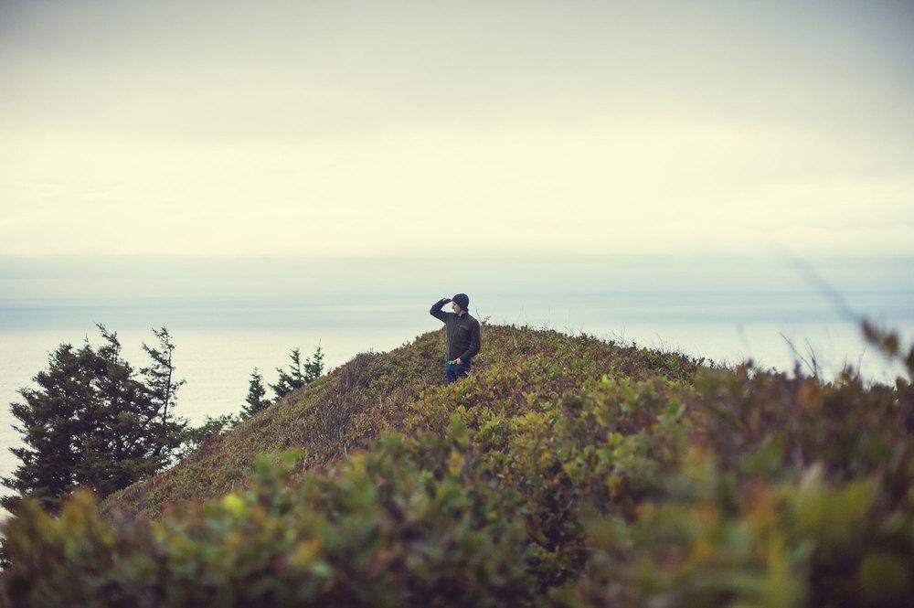 Paragliding pilot scoping area near Portland, OR.
