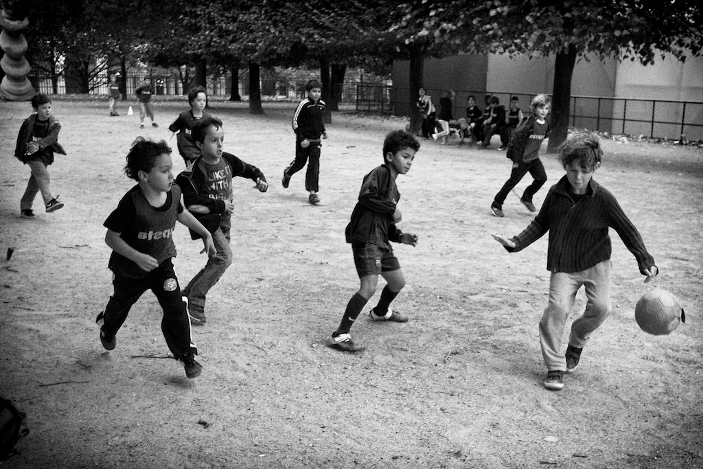 Football in le jardin du Luxembourg
