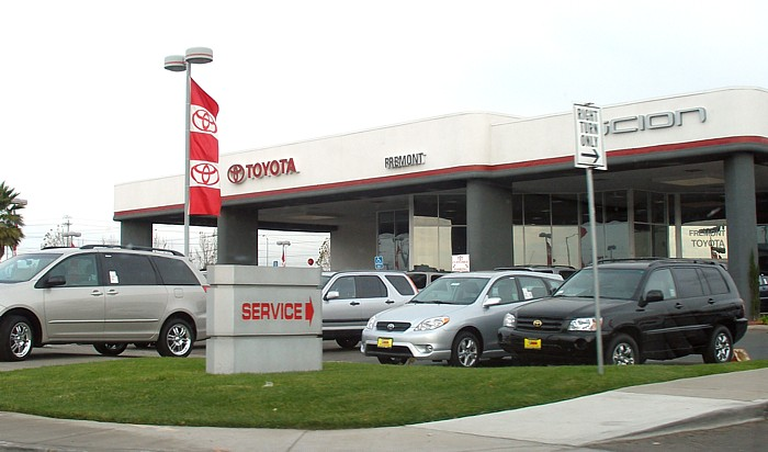 Toyotadealership.jpg