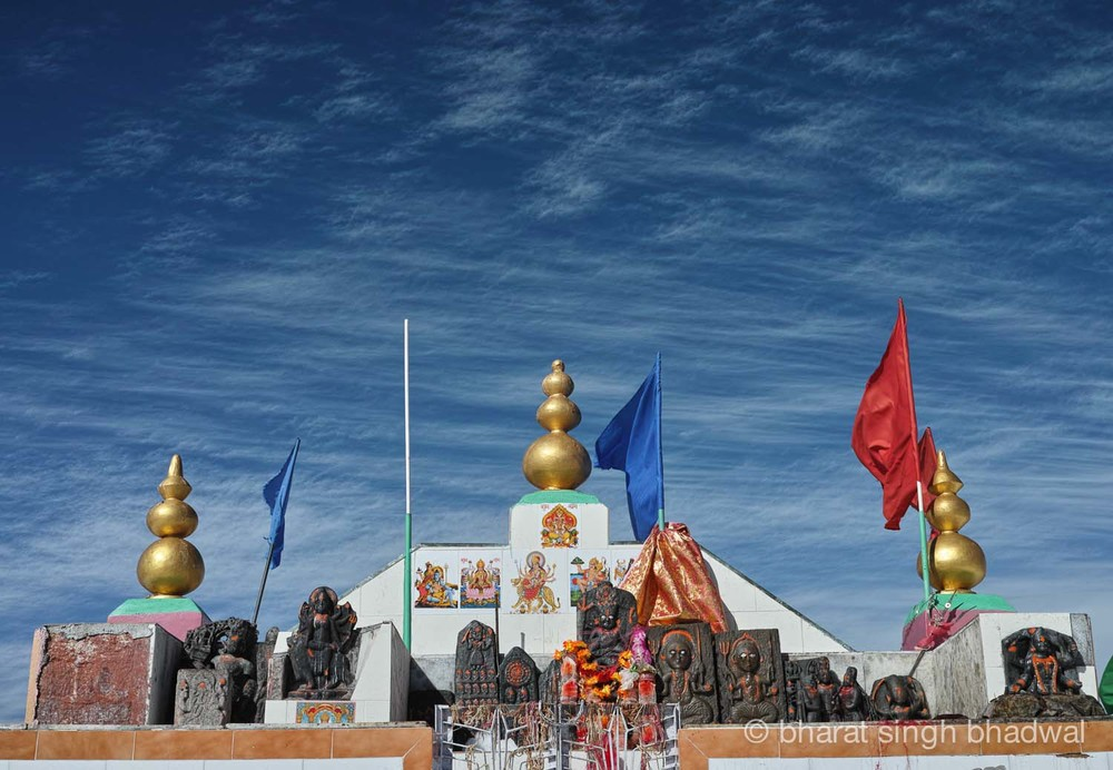 A closer look at the blue skies and idols at Shikari Mata roofless temple