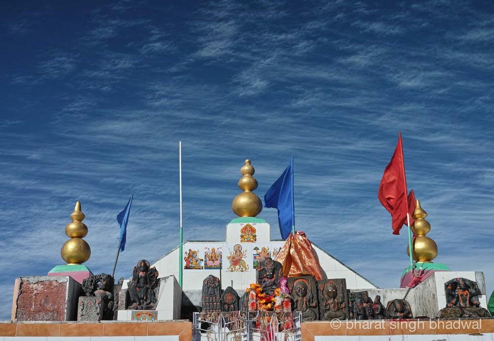 A closer look at the blue skies and idols at Shikari Mata roofless temple