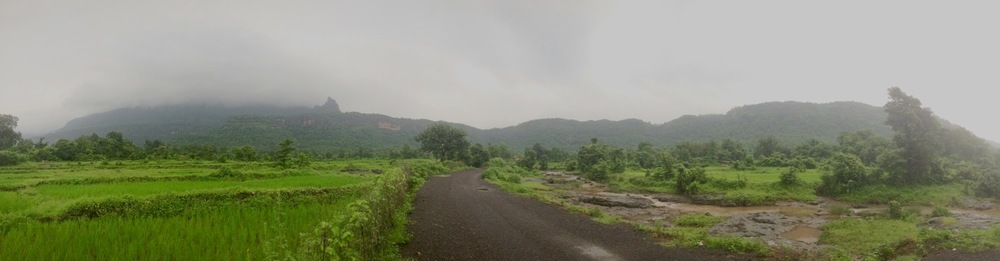 "Panoramic view of Bhimashankar plateau from the ""T"" junction 1.5 kilometres after Khandas"