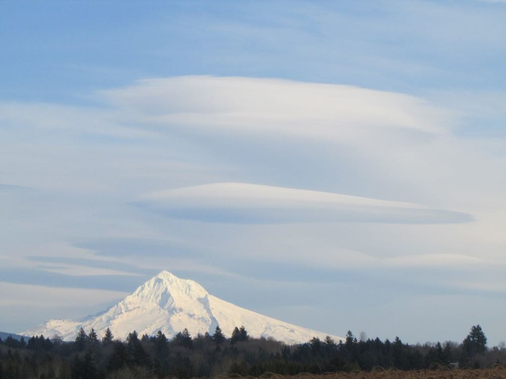 Lenticular clouds. Image Mthoodlenticularclouds by JoJoes123 CC BY-SA 3.0 via Wikipedia Commons