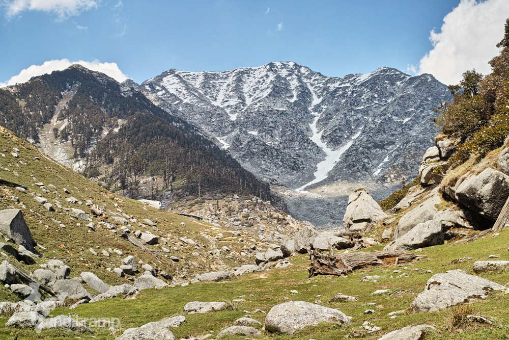 Minkiani pass rises. When you see the Dhauladhars it means you are close to the lake