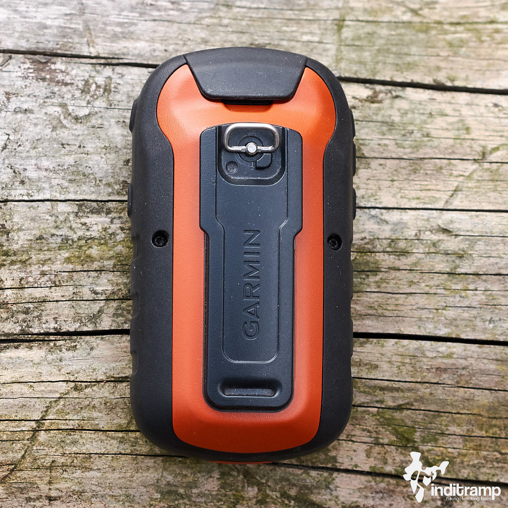 Garmin Etrex20x features a plastic spine on the back. This spine makes it compatible with Garmin's bicycle mounts and carabiner clip.