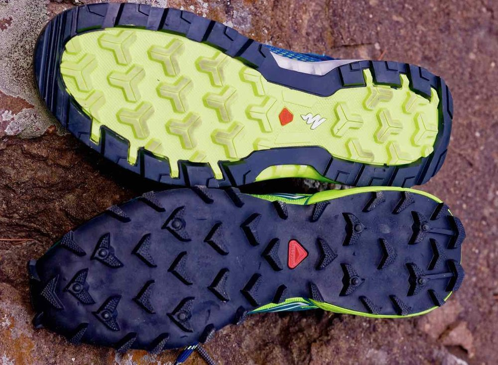 Note the bigger more aggressive lugs on the Salomon Speedcross (bottom) as compared to Arpenaz 500 (top). We wish Decathlon experimented with bigger lugs on its India specific hiking shoes.