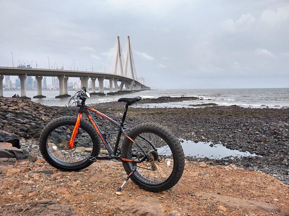 Fatbike Bicycle in Bandra Bandstand Worli sealink Mumbai.jpg