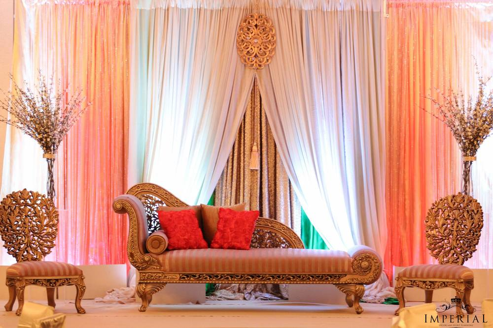 Blog imperial decor for Backdrop decoration