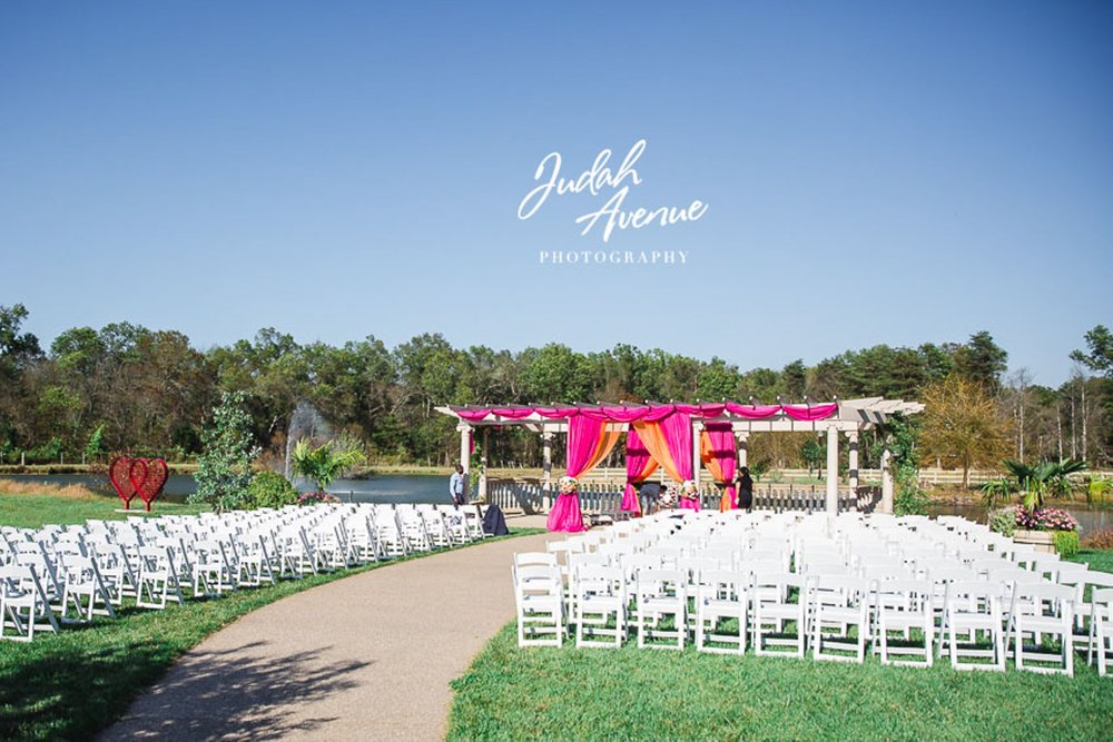 Roxanne and Gaurav's wedding at Morais Vineyards & Winery wedding Photographer in Virginia-9.jpg