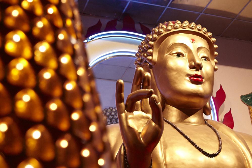 Buddhist_Temple_060.jpg