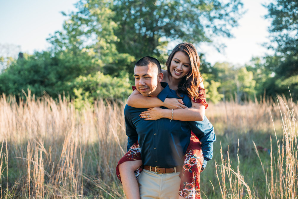 Aggie_Engagement_CollegeStation_LickCreekPark_04.jpg