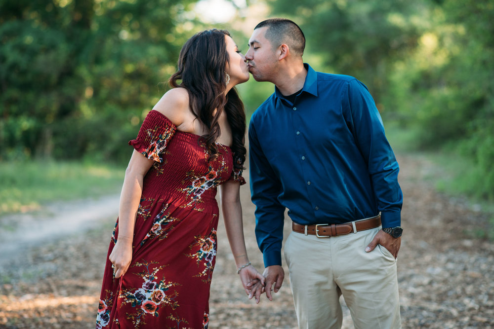 Aggie_Engagement_CollegeStation_LickCreekPark_12.jpg