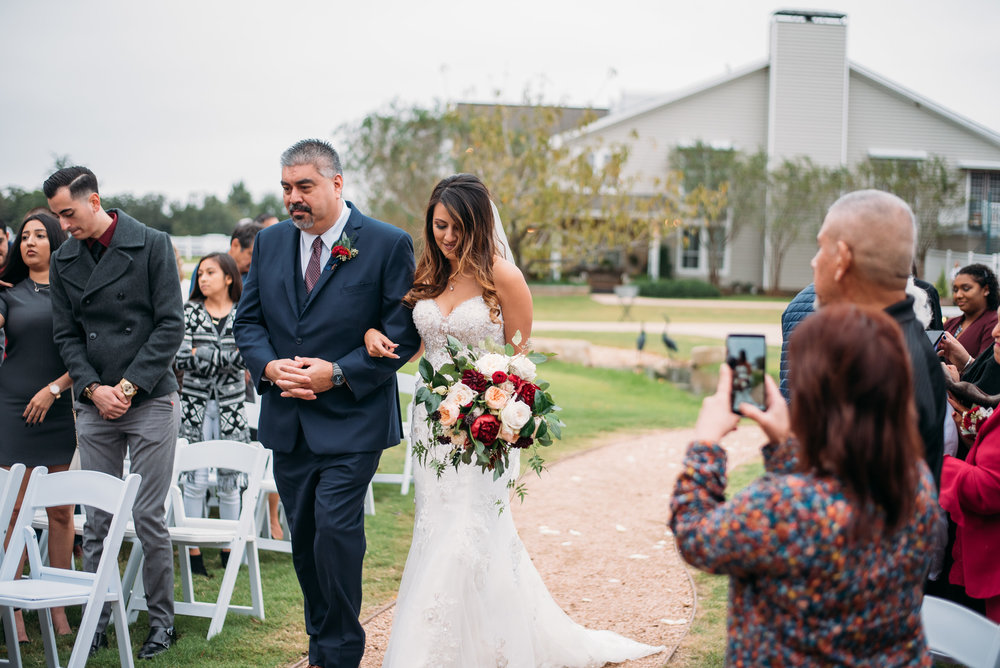 WeddingPhotographer_CollegeStation_InnAtQuarryRidge_21.jpg