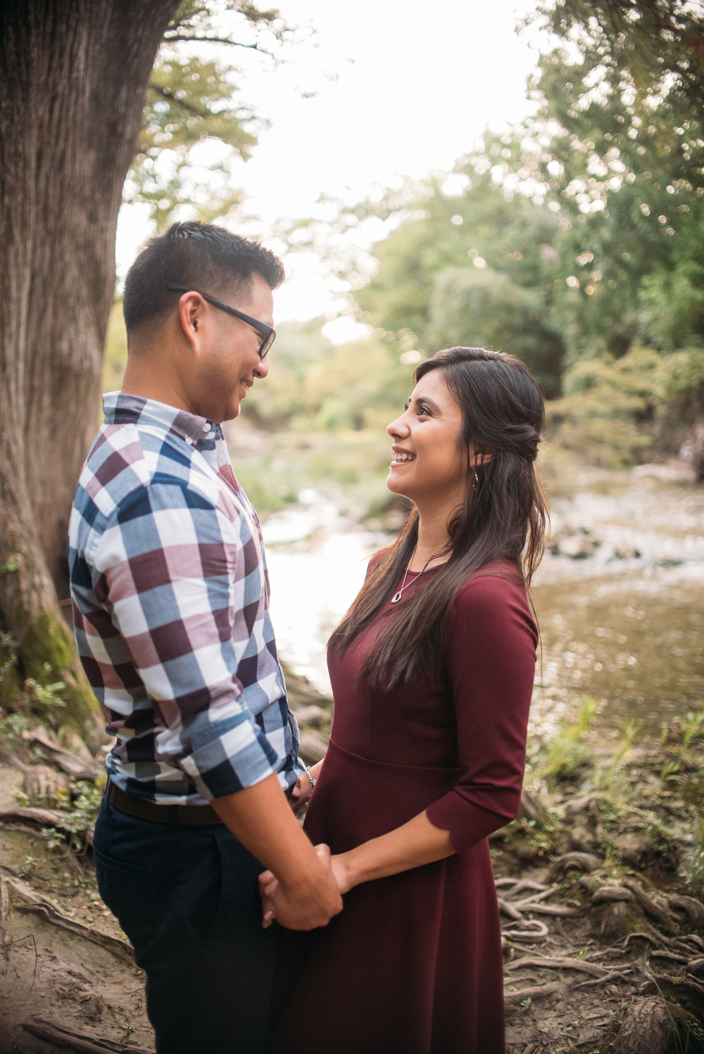 McKinneyStateFalls_Engagement_WeddingPhotographer_008.jpg