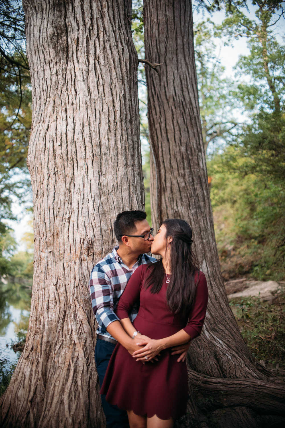 McKinneyStateFalls_Engagement_WeddingPhotographer_010.jpg