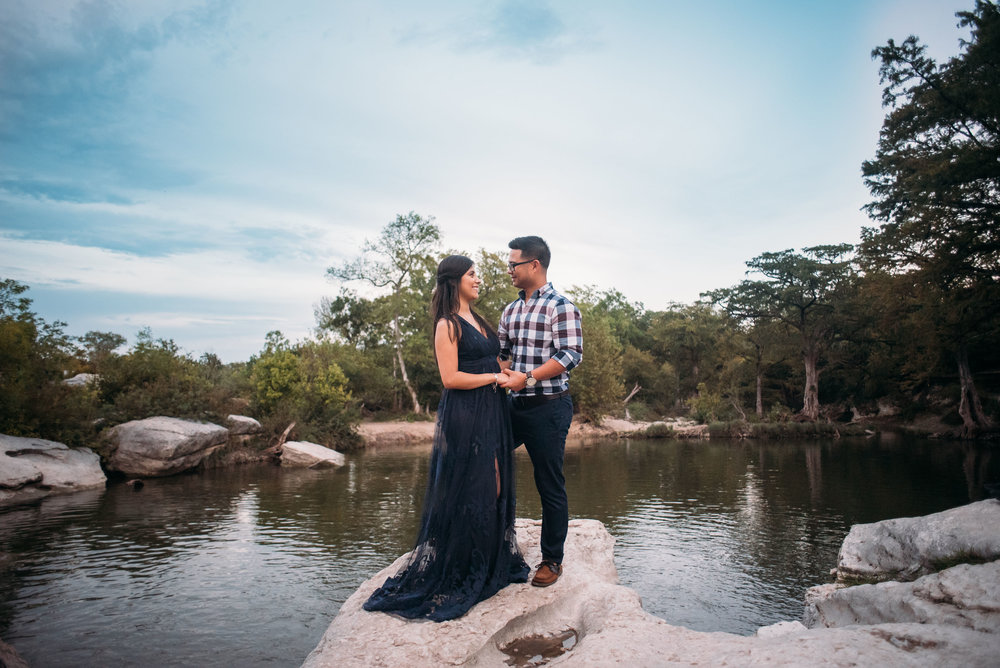 McKinneyStateFalls_Engagement_WeddingPhotographer_011.jpg