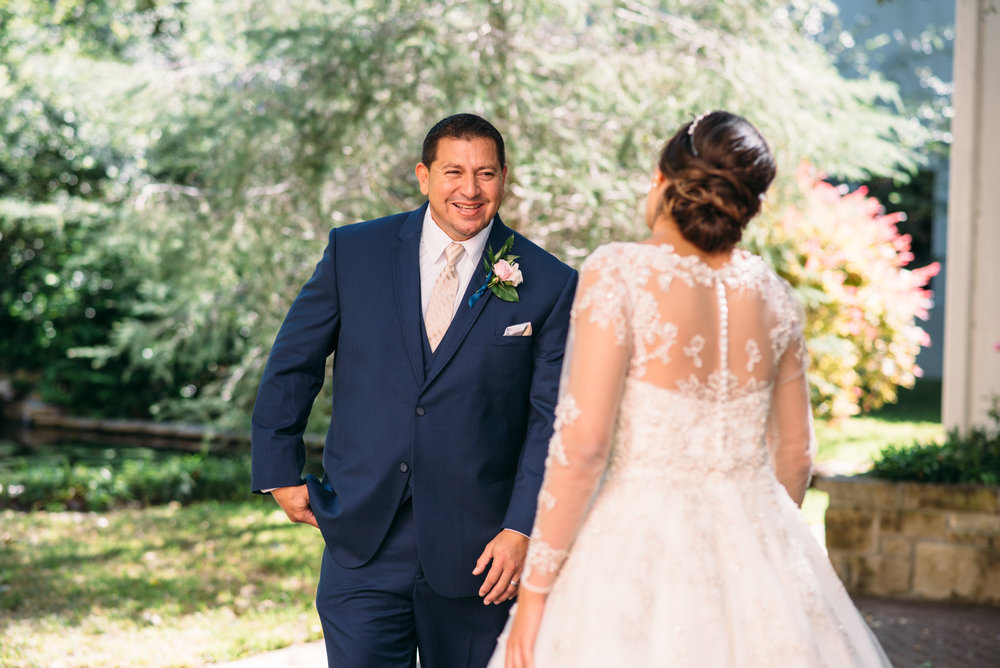 AggieWedding_CollegeStation_WeddingPhotographer_12.jpg
