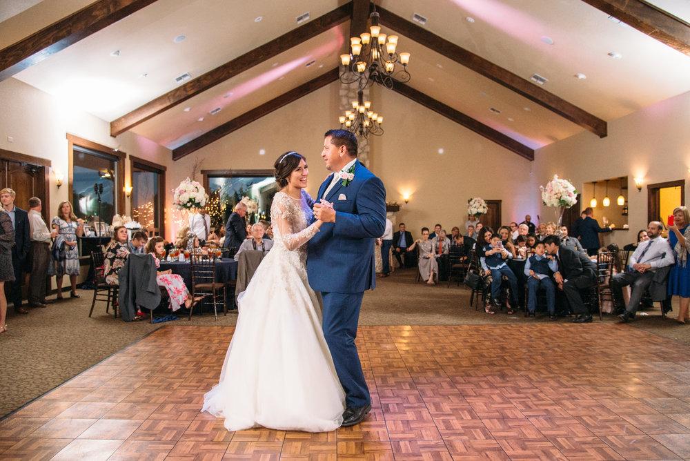 AggieWedding_CollegeStation_WeddingPhotographer_36.jpg
