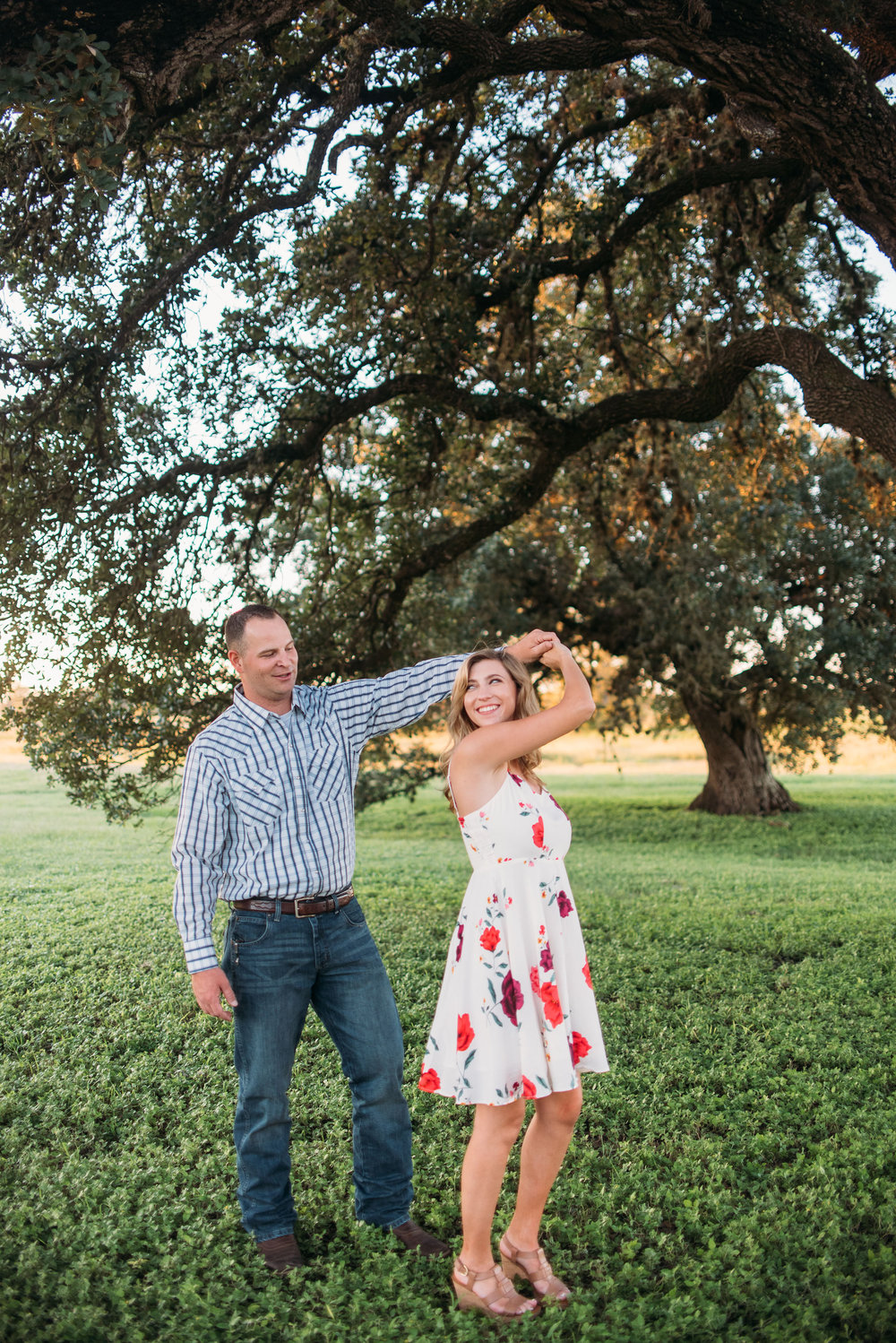 CollegeStation_WeddingPhotographer_MooreRanch_07.jpg