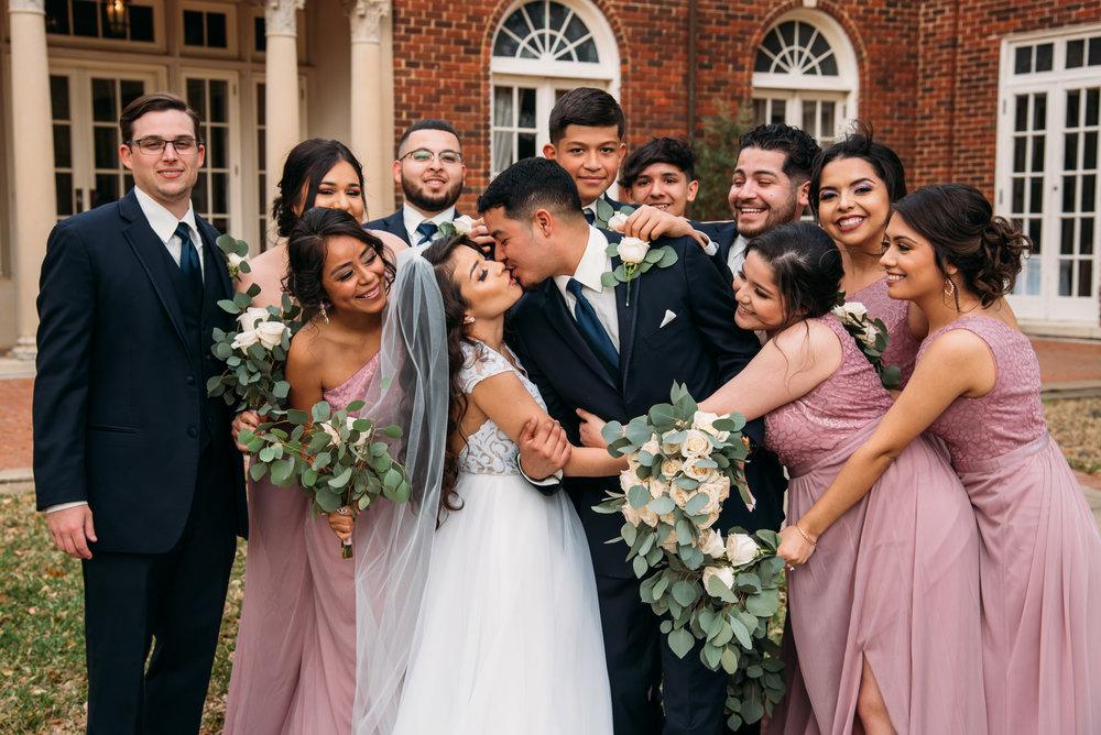 AstinMansion_CollegeStation_WeddingPhotographer036.jpg
