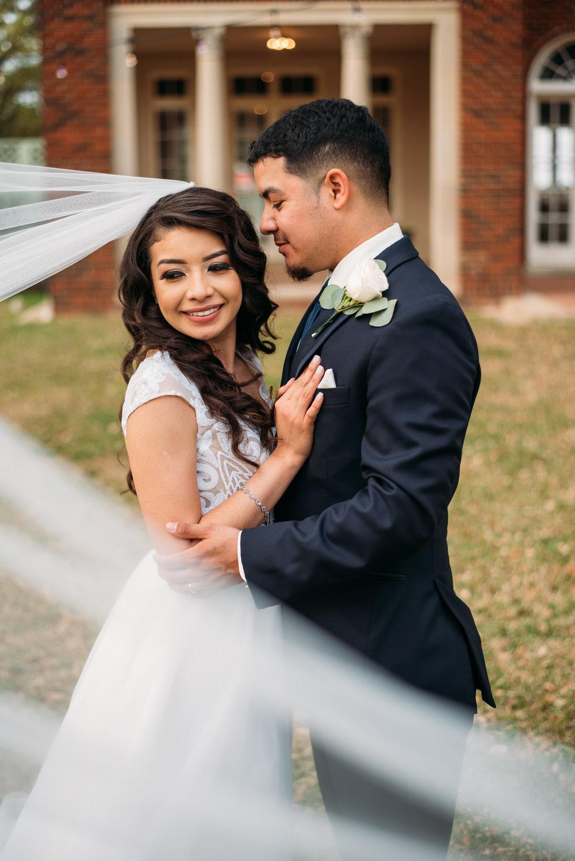 AstinMansion_CollegeStation_WeddingPhotographer042.jpg