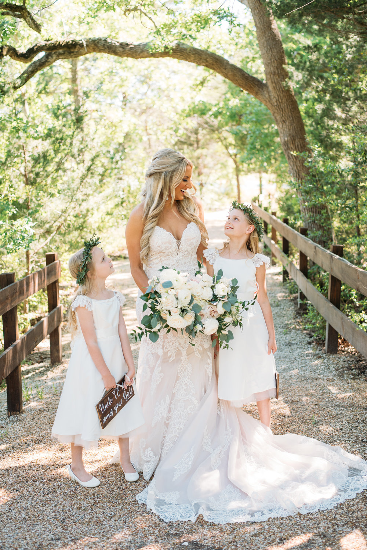CollegeStation_WeddingPhotographer_PeachCreekRanch_015.jpg
