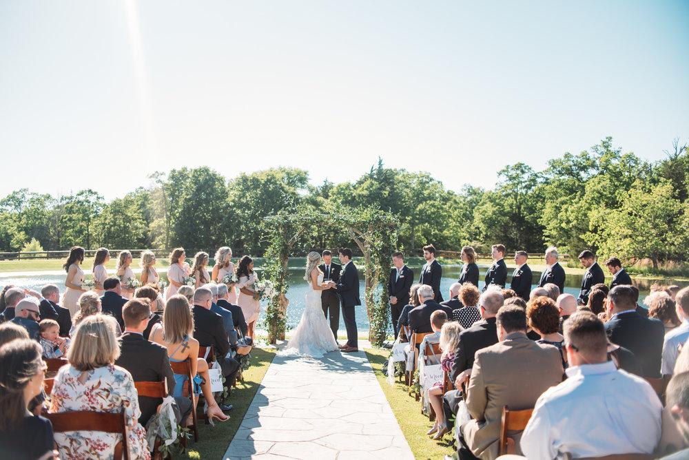CollegeStation_WeddingPhotographer_PeachCreekRanch_034.jpg
