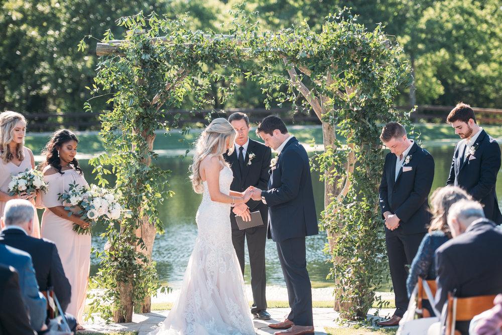 CollegeStation_WeddingPhotographer_PeachCreekRanch_036.jpg