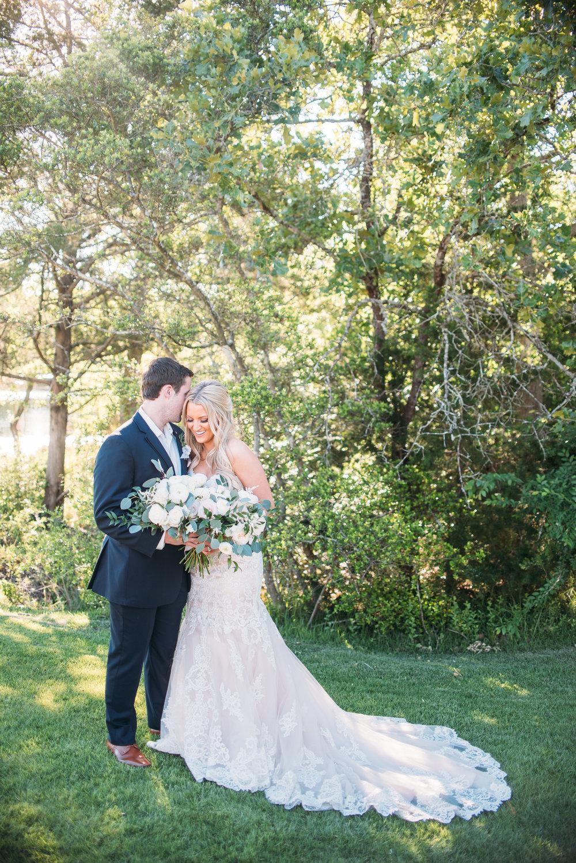 CollegeStation_WeddingPhotographer_PeachCreekRanch_043.jpg