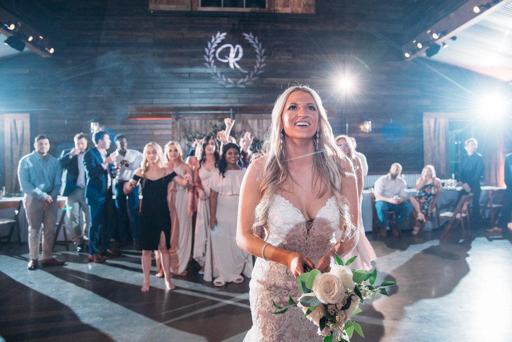 CollegeStation_WeddingPhotographer_PeachCreekRanch_070.jpg