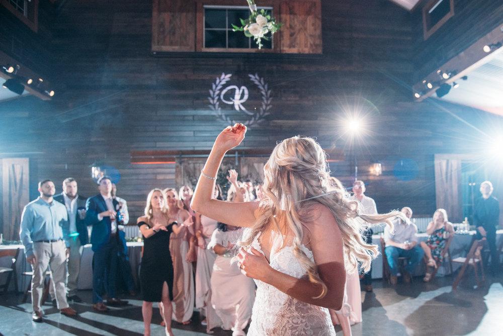CollegeStation_WeddingPhotographer_PeachCreekRanch_071.jpg