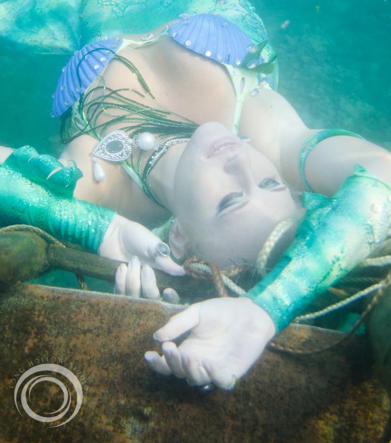 long_hollow_studio_karma_karmelita_mermaid_session (22 of 152).jpg