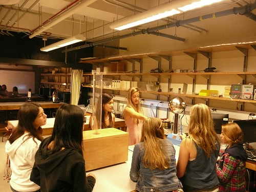 Demonstrating a Van De Graaff generator for a group of middle school girls at UCSD for Tech Trek