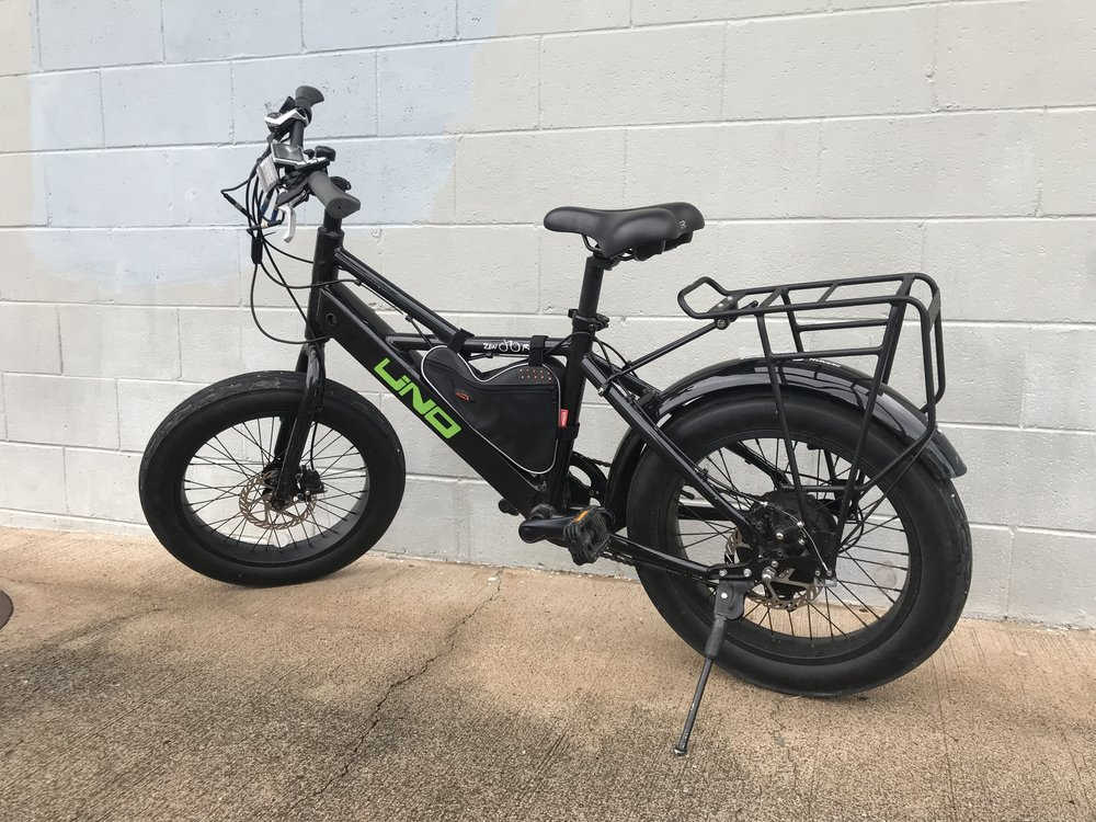 "UNO Electric ""Fat Bike"" Available at our Honolulu and Kapolei Bike Shops Throttle & Pedal Assist features Top Speeds: 16 MPH    20 Miles/Charge."