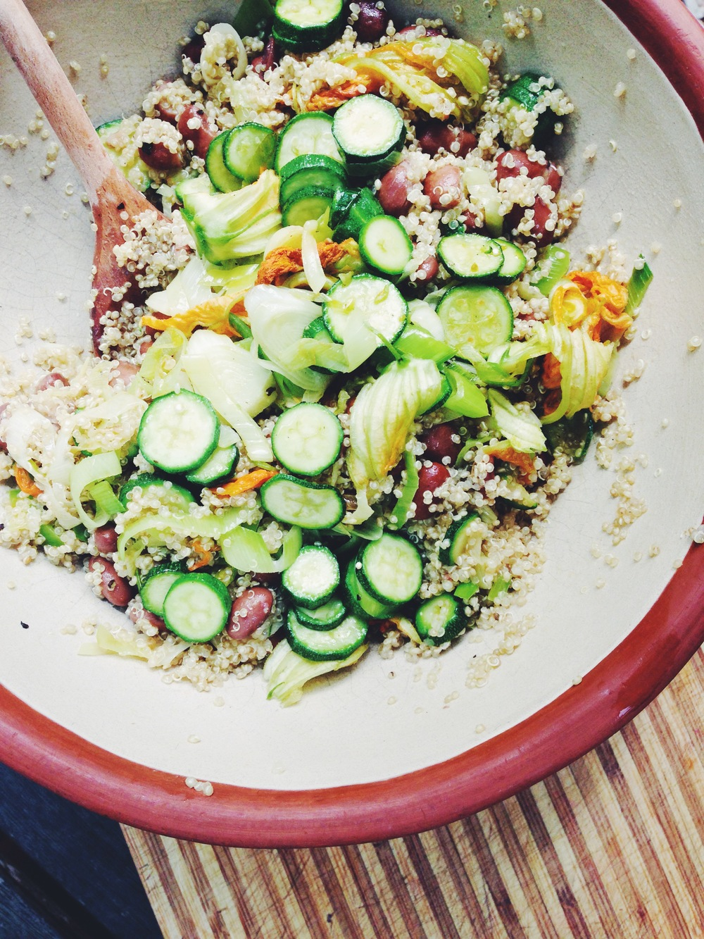 courgette salad with quinoa and borlotti beans