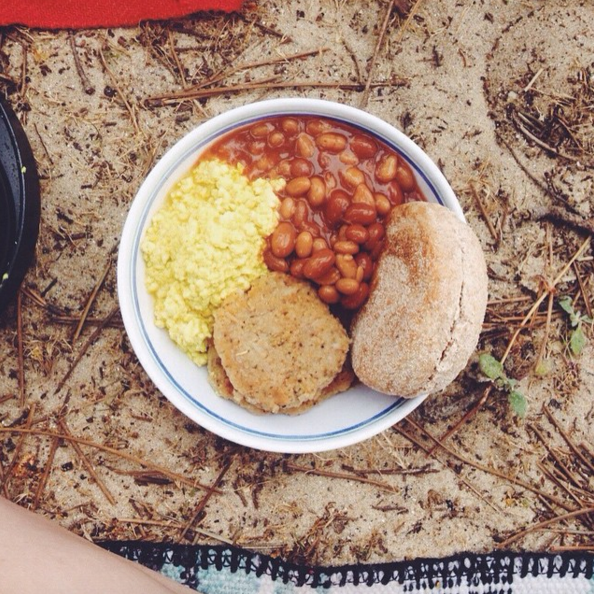 #Vegan breakfast made on a camping stove: tofu scramble, baked beans, sausage patty and english muffin